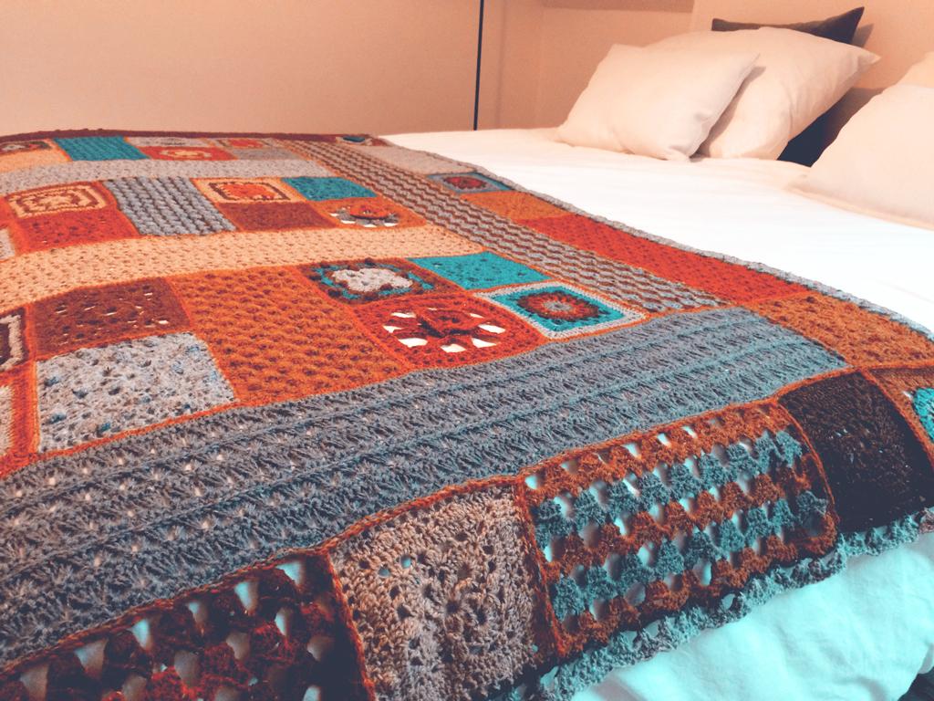 Lisa Crochet Throw